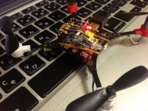 AUX1他3ピンにLEDを接続(他の角度から)