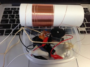 1石トランジスタラジオ+手作りループアンテナ