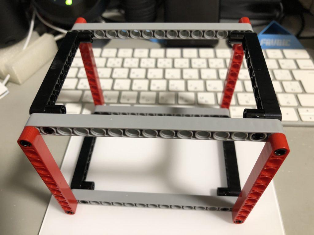 とりあえずの直方体フレーム。